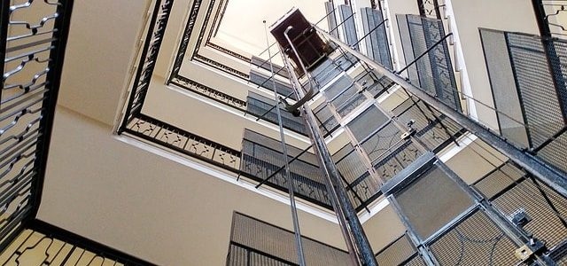 Ascensore condominiale per eliminare barriere architettoniche